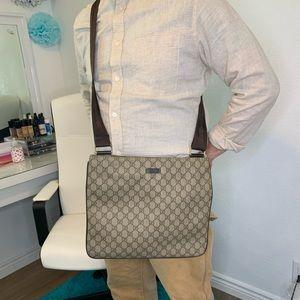 Gucci GG patern PVC body bag